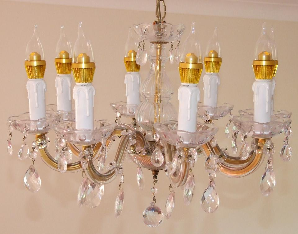 Chandelier_with_LED_lamps